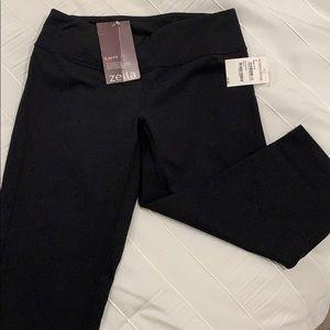 Zella slim fit Capri workout pants size small